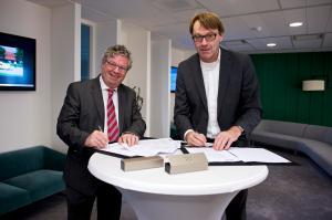 Ondertekening overeenkomst NS en Zaanstad