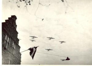 Westzijde 134, 5 mei 1945 (collectie Heddy Eikema)